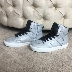 New Gap Kids Silver High Top Tennis Shoes. Size 12